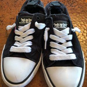 Levi Converse slide in sneakers sz. 7